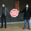 Keine Gewalt gegen Beschäftigte: OB Aumann unterstützt DGB-Aktion im Rathaus Neunkirchen